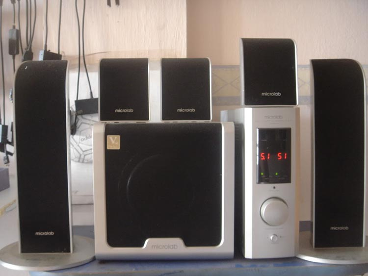 Microlab FC-861 cung cấp chất âm lý tưởng, tái sản xuất âm thanh to, rõ ràng