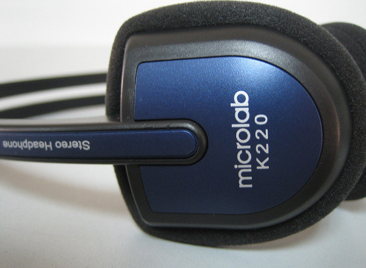 Tai nghe có cầu nối linh hoạt có thể điều chỉnh kích thước