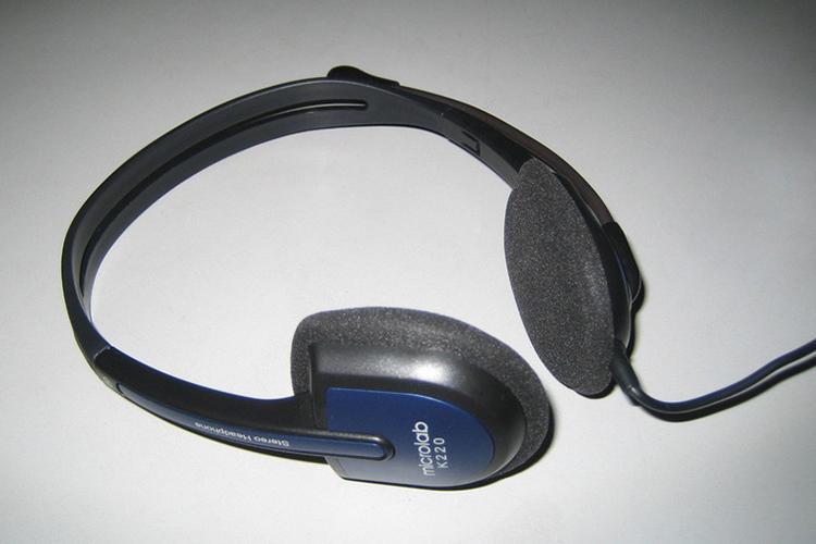 Tai nghe Microlab K 220 kiểu dáng thanh mảnh, gọn nhẹ