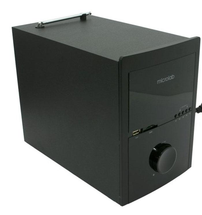 Mặt trước thùng loa siêu trầm được tích hợp khe cắm thẻ nhớ và cổng USB